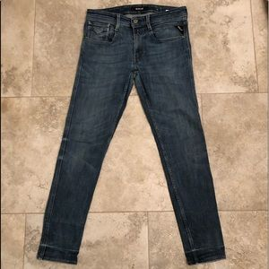 detailed look df1ef 93e80 Replay Jeans Co MFG Distressed Denim skinny Jeans